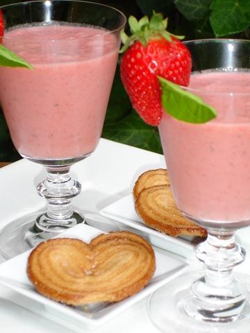 http://www.lacuisinedefabrice.fr/wp-content/uploads/2009/02/milk-shake-fraise-basilic.jpg
