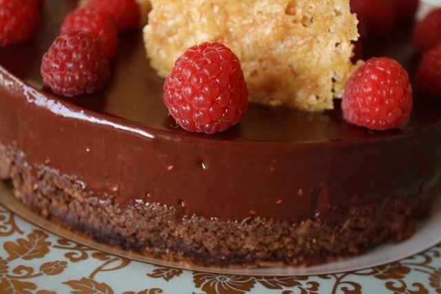 moelleux aux noisettes et ganache chocolat framboise